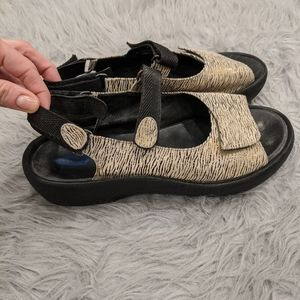 Women's wolky sandals